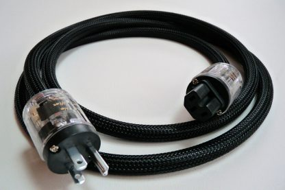 Source Clarifier power cord for source components, in black sheathing
